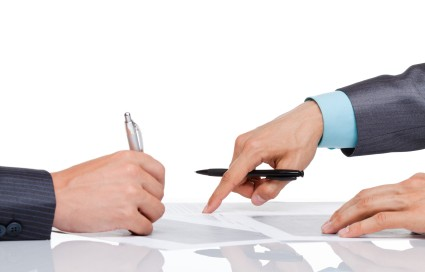 release-not-enforced-by-court-signing-contract-425x272